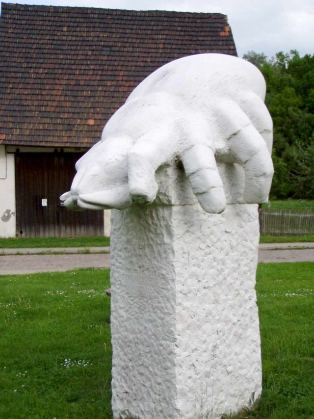 Käsemilbendenkmal