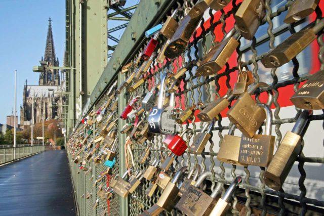 Liebesschlösser Köln Hohenzollernbrücke