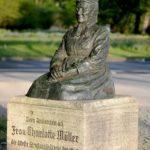 Charlotte Müller Denkmal (1)