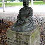 Charlotte Müller Denkmal (2)