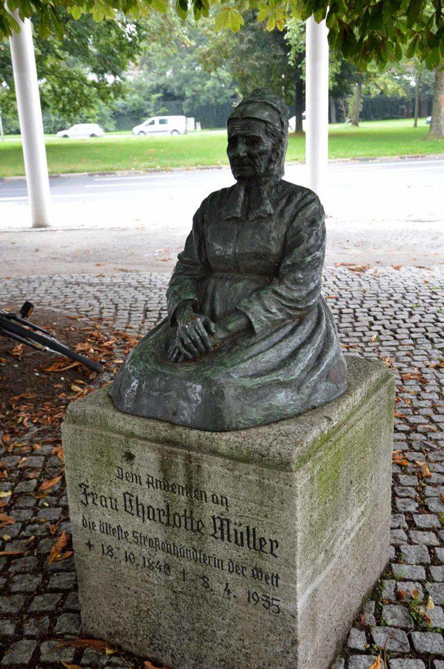 Charlotte Müller Denkmal