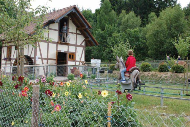 Freizeitpark Lochmühle Eselreitbahn