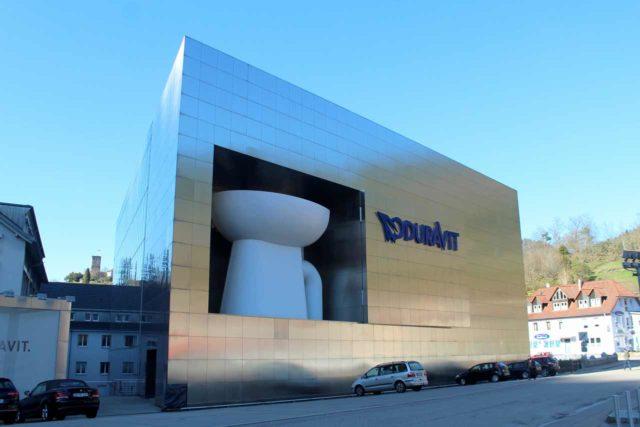 Größte Toilette der Welt Duravit Design Center Hornberg