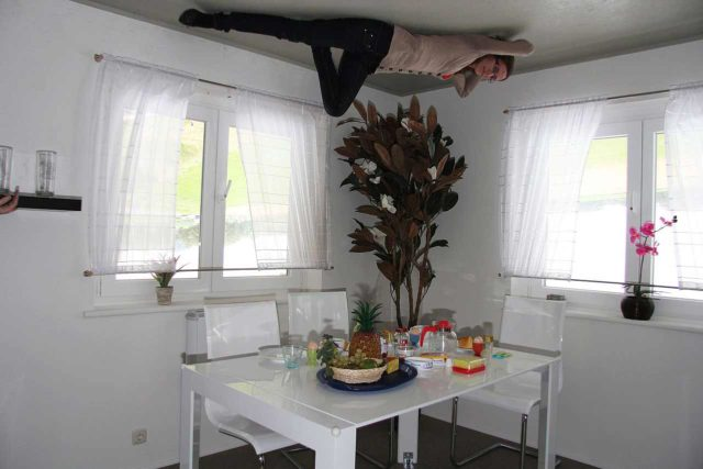 Umgedrehtes Haus Kopf Über Putbus Sylt