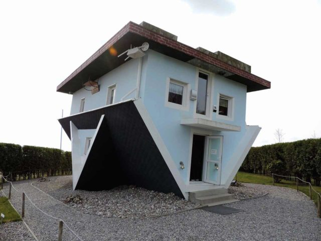 Umgedrehtes Haus Welt Steht Kopf Trassenheide Usedom